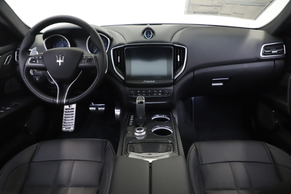 New 2019 Maserati Ghibli SQ4 GranSport for sale $100,695 at Alfa Romeo of Westport in Westport CT 06880 16
