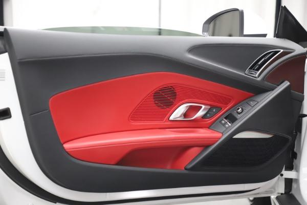 Used 2017 Audi R8 5.2 quattro V10 Spyder for sale $138,900 at Alfa Romeo of Westport in Westport CT 06880 22