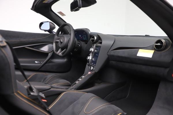 New 2020 McLaren 720S Spider Performance for sale $384,930 at Alfa Romeo of Westport in Westport CT 06880 25