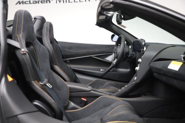 New 2020 McLaren 720S Spider Performance for sale $384,930 at Alfa Romeo of Westport in Westport CT 06880 26