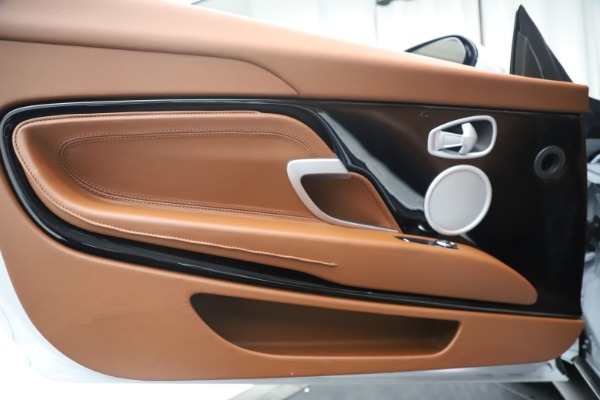 New 2020 Aston Martin DB11 Volante Convertible for sale $244,066 at Alfa Romeo of Westport in Westport CT 06880 15