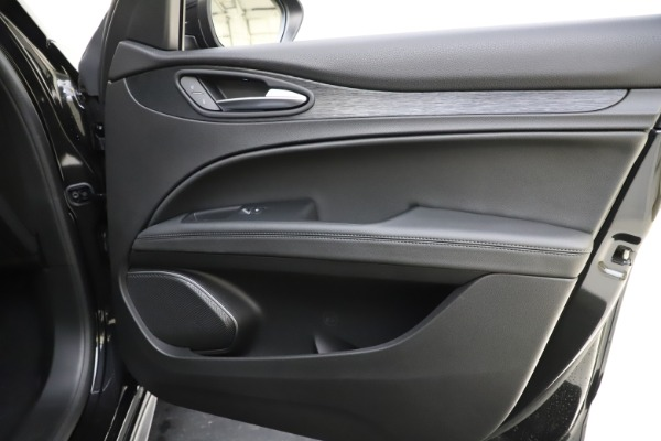 New 2020 Alfa Romeo Stelvio Sport Q4 for sale $49,695 at Alfa Romeo of Westport in Westport CT 06880 25