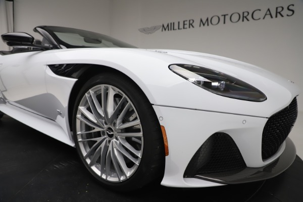 New 2020 Aston Martin DBS Superleggera Volante Convertible for sale $353,931 at Alfa Romeo of Westport in Westport CT 06880 24