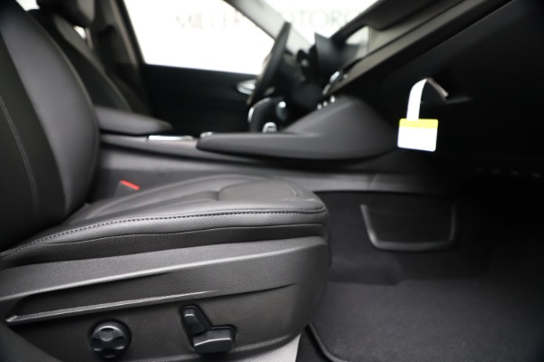 New 2020 Alfa Romeo Giulia Ti Q4 for sale $49,245 at Alfa Romeo of Westport in Westport CT 06880 23