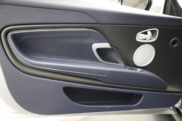 New 2020 Aston Martin DB11 Volante Convertible for sale $253,181 at Alfa Romeo of Westport in Westport CT 06880 18