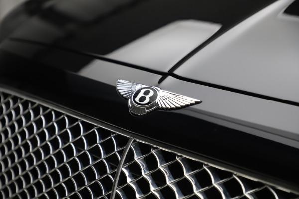 Used 2017 Bentley Bentayga W12 for sale $145,900 at Alfa Romeo of Westport in Westport CT 06880 14