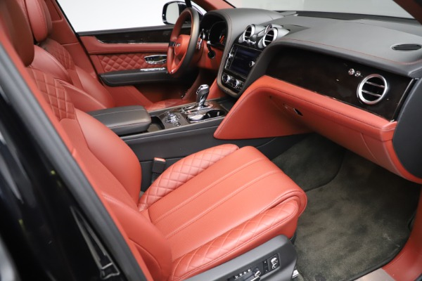 Used 2017 Bentley Bentayga W12 for sale $145,900 at Alfa Romeo of Westport in Westport CT 06880 25
