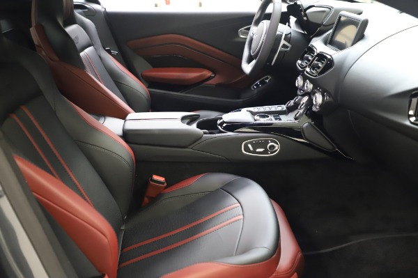 New 2020 Aston Martin Vantage Coupe for sale $182,781 at Alfa Romeo of Westport in Westport CT 06880 18