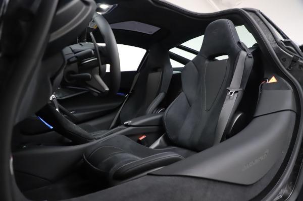 New 2020 McLaren 720S Performance for sale $349,050 at Alfa Romeo of Westport in Westport CT 06880 22