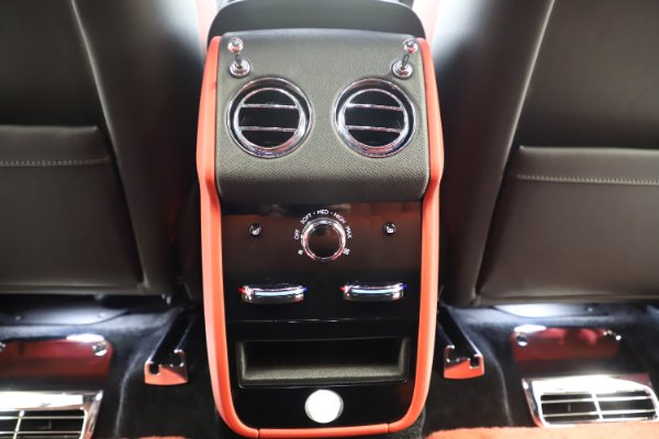 New 2020 Rolls-Royce Cullinan Black Badge for sale $433,950 at Alfa Romeo of Westport in Westport CT 06880 25