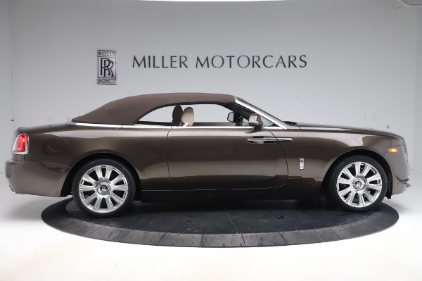 Used 2017 Rolls-Royce Dawn for sale $249,900 at Alfa Romeo of Westport in Westport CT 06880 18