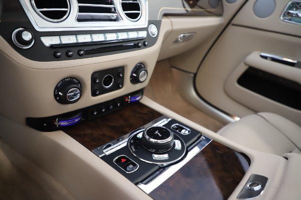 Used 2017 Rolls-Royce Dawn for sale $254,900 at Alfa Romeo of Westport in Westport CT 06880 27