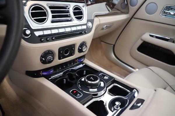 Used 2017 Rolls-Royce Dawn for sale $254,900 at Alfa Romeo of Westport in Westport CT 06880 28