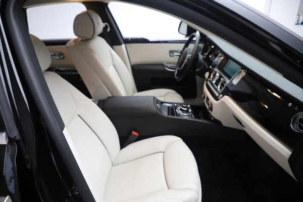 Used 2015 Rolls-Royce Ghost Base for sale Call for price at Alfa Romeo of Westport in Westport CT 06880 16