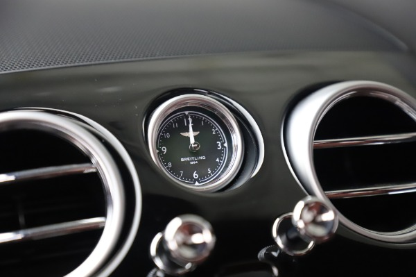 Used 2018 Bentley Flying Spur V8 S for sale $149,900 at Alfa Romeo of Westport in Westport CT 06880 26