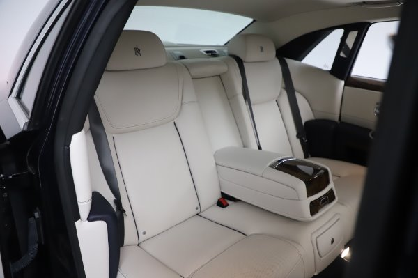 Used 2016 Rolls-Royce Ghost for sale $173,900 at Alfa Romeo of Westport in Westport CT 06880 15