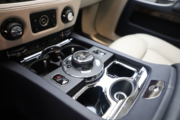 Used 2016 Rolls-Royce Ghost for sale $173,900 at Alfa Romeo of Westport in Westport CT 06880 21