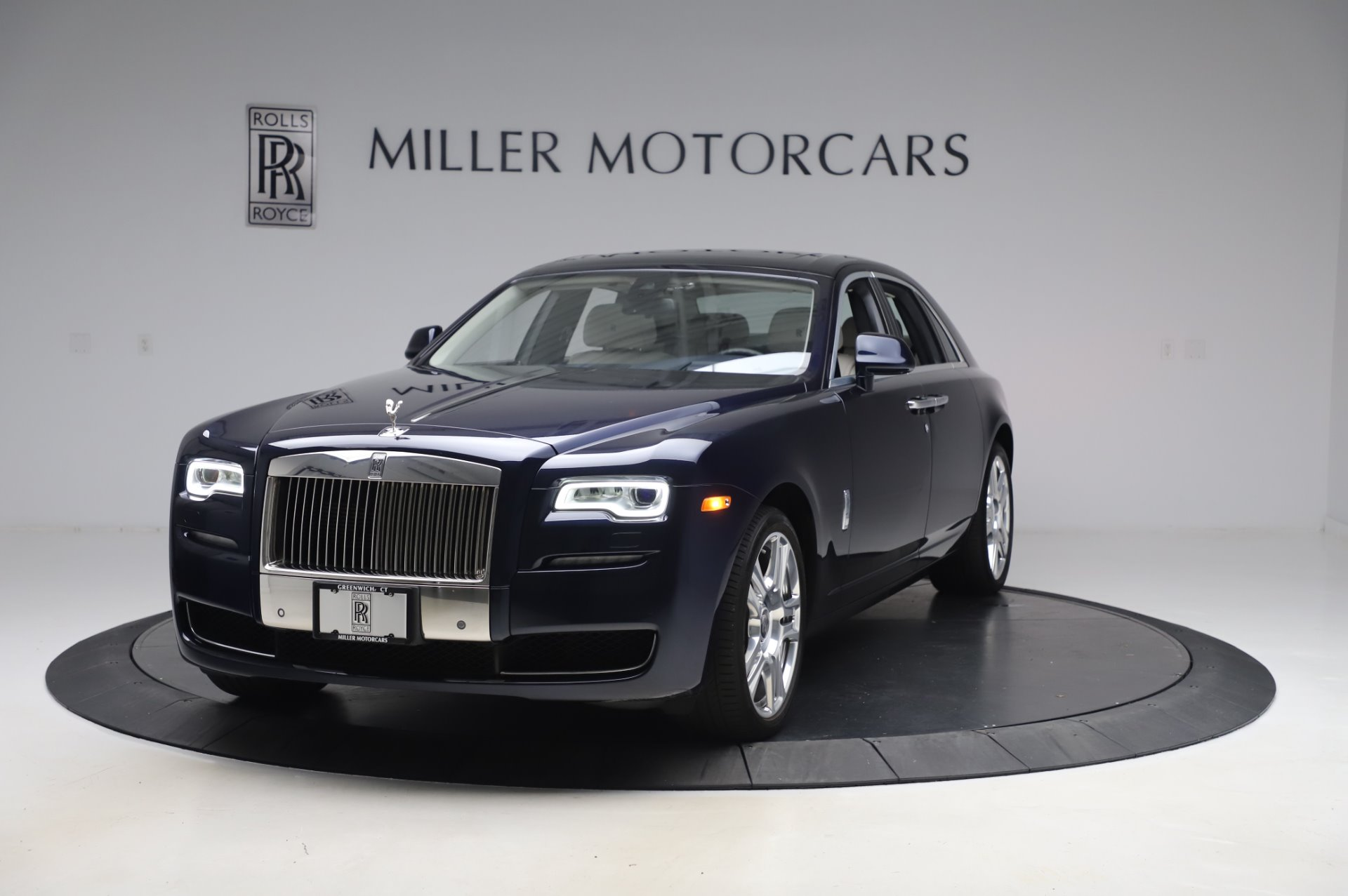 Used 2016 Rolls-Royce Ghost for sale $173,900 at Alfa Romeo of Westport in Westport CT 06880 1