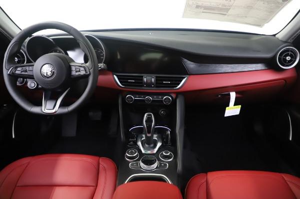 New 2020 Alfa Romeo Giulia Q4 for sale $48,445 at Alfa Romeo of Westport in Westport CT 06880 16