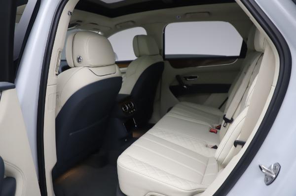 New 2020 Bentley Bentayga Hybrid for sale $220,475 at Alfa Romeo of Westport in Westport CT 06880 22