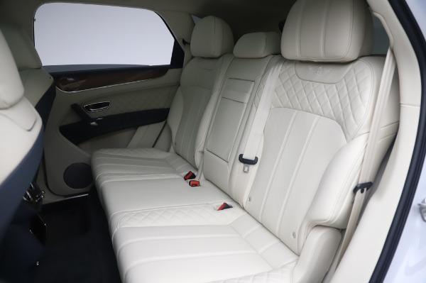 New 2020 Bentley Bentayga Hybrid for sale $220,475 at Alfa Romeo of Westport in Westport CT 06880 24