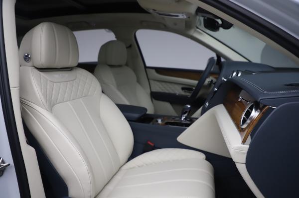 Used 2020 Bentley Bentayga Hybrid for sale $189,900 at Alfa Romeo of Westport in Westport CT 06880 28