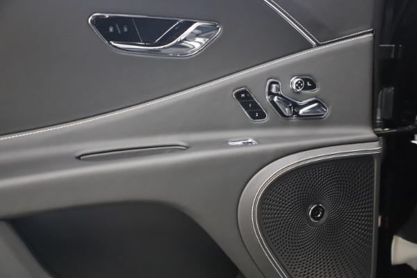 New 2020 Bentley Flying Spur W12 for sale $261,615 at Alfa Romeo of Westport in Westport CT 06880 26