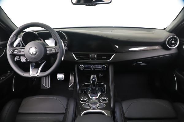 New 2020 Alfa Romeo Giulia Ti Sport Carbon Q4 for sale $51,640 at Alfa Romeo of Westport in Westport CT 06880 16
