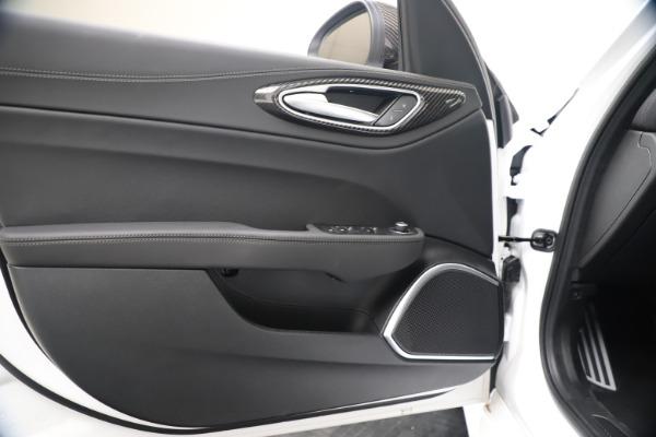 New 2020 Alfa Romeo Giulia Ti Sport Carbon Q4 for sale $51,640 at Alfa Romeo of Westport in Westport CT 06880 17