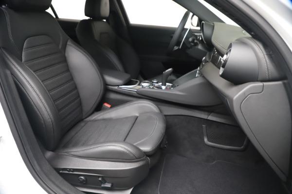New 2020 Alfa Romeo Giulia Ti Sport Carbon Q4 for sale $51,640 at Alfa Romeo of Westport in Westport CT 06880 23