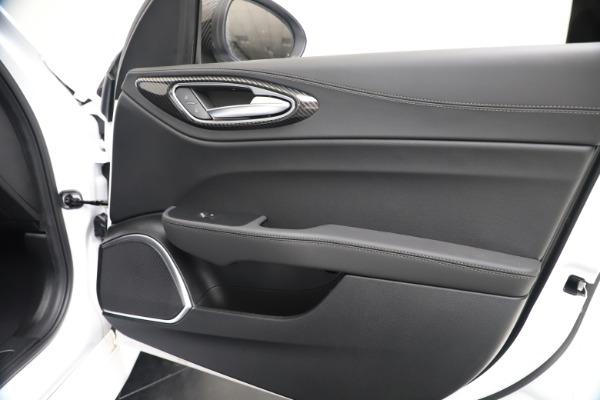 New 2020 Alfa Romeo Giulia Ti Sport Carbon Q4 for sale $51,640 at Alfa Romeo of Westport in Westport CT 06880 24