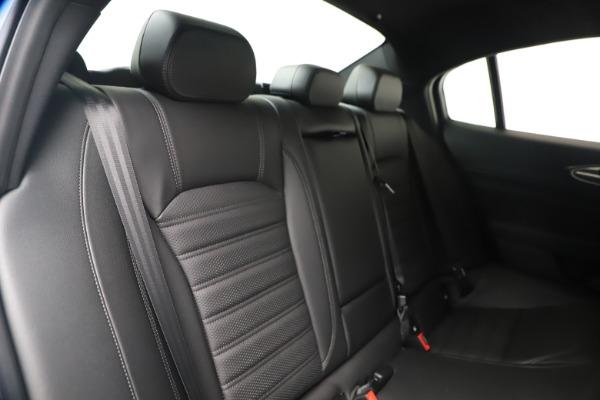 New 2020 Alfa Romeo Giulia Ti Sport Carbon Q4 for sale $51,640 at Alfa Romeo of Westport in Westport CT 06880 25