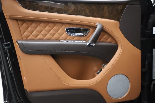 Used 2017 Bentley Bentayga W12 for sale $138,900 at Alfa Romeo of Westport in Westport CT 06880 16