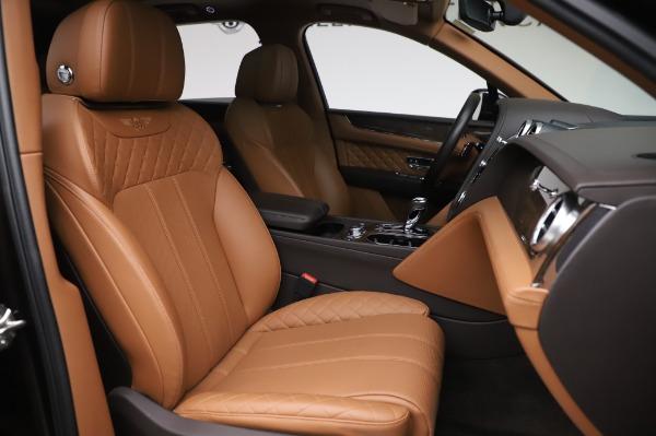 Used 2017 Bentley Bentayga W12 for sale $138,900 at Alfa Romeo of Westport in Westport CT 06880 27