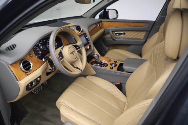 Used 2017 Bentley Bentayga W12 for sale Sold at Alfa Romeo of Westport in Westport CT 06880 17