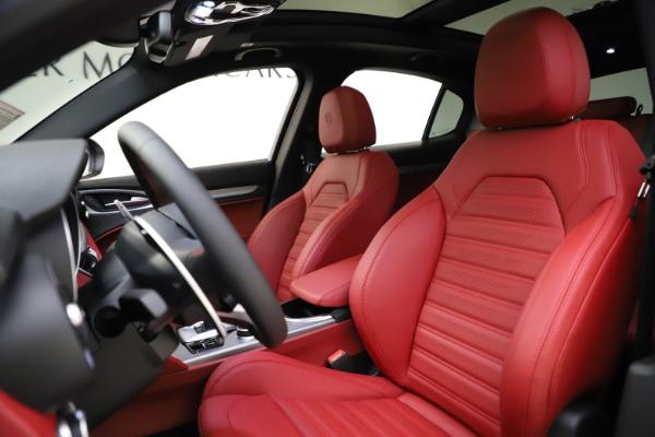 New 2020 Alfa Romeo Stelvio Ti Sport Q4 for sale $54,345 at Alfa Romeo of Westport in Westport CT 06880 17