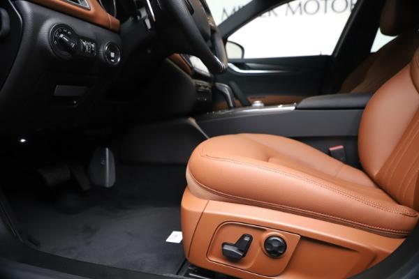 New 2020 Maserati Ghibli S Q4 for sale $87,285 at Alfa Romeo of Westport in Westport CT 06880 14