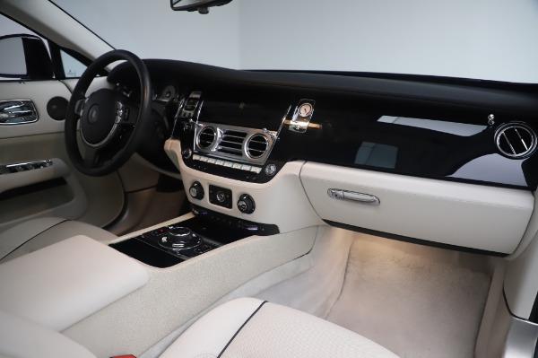 Used 2014 Rolls-Royce Wraith for sale $168,900 at Alfa Romeo of Westport in Westport CT 06880 21