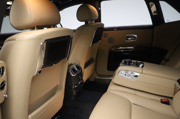 Used 2016 Rolls-Royce Ghost for sale $175,900 at Alfa Romeo of Westport in Westport CT 06880 22