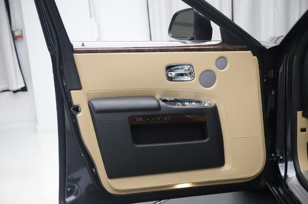 Used 2016 Rolls-Royce Ghost for sale $175,900 at Alfa Romeo of Westport in Westport CT 06880 25