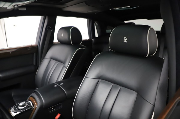 Used 2014 Rolls-Royce Phantom for sale $179,900 at Alfa Romeo of Westport in Westport CT 06880 12