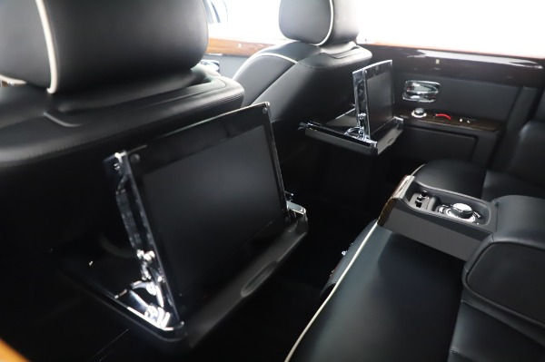 Used 2014 Rolls-Royce Phantom for sale $179,900 at Alfa Romeo of Westport in Westport CT 06880 19
