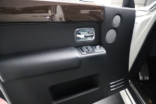 Used 2014 Rolls-Royce Phantom for sale $179,900 at Alfa Romeo of Westport in Westport CT 06880 20