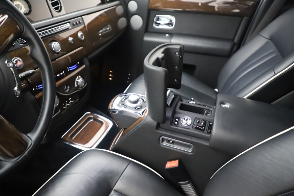 Used 2014 Rolls-Royce Phantom for sale $179,900 at Alfa Romeo of Westport in Westport CT 06880 22