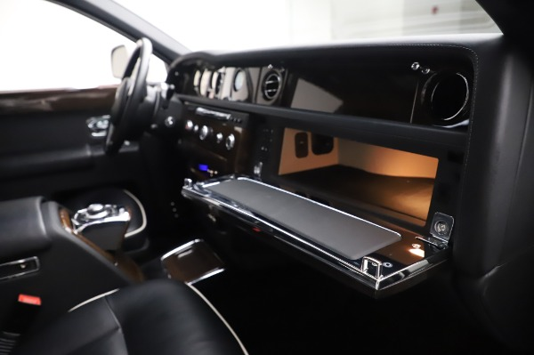 Used 2014 Rolls-Royce Phantom for sale $179,900 at Alfa Romeo of Westport in Westport CT 06880 26