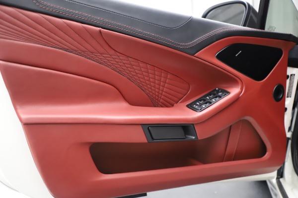 Used 2018 Aston Martin Vanquish S Volante for sale $183,900 at Alfa Romeo of Westport in Westport CT 06880 17
