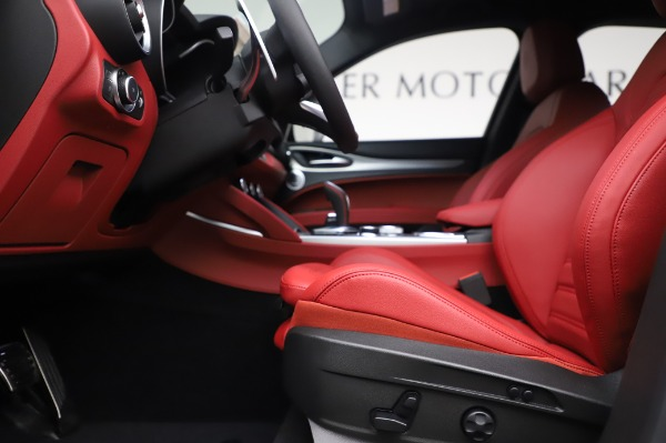 New 2020 Alfa Romeo Stelvio Ti Sport Q4 for sale $53,545 at Alfa Romeo of Westport in Westport CT 06880 14
