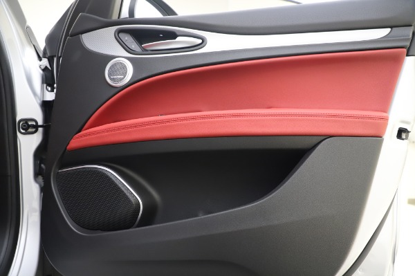 New 2020 Alfa Romeo Stelvio Ti Sport Q4 for sale $53,545 at Alfa Romeo of Westport in Westport CT 06880 24