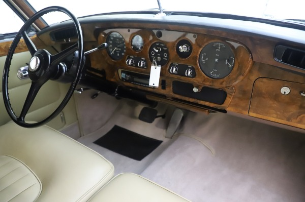 Used 1965 Rolls-Royce Silver Cloud III for sale Call for price at Alfa Romeo of Westport in Westport CT 06880 25