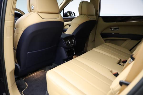 New 2021 Bentley Bentayga V8 for sale $209,755 at Alfa Romeo of Westport in Westport CT 06880 20